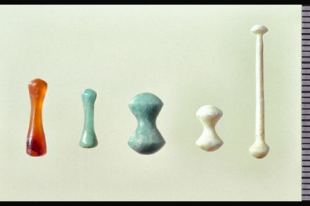 08. Lip-plugs discovered in the Neolithic burials .jpg