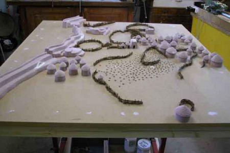 11. Maquette Pre-Kerma en construction .jpg